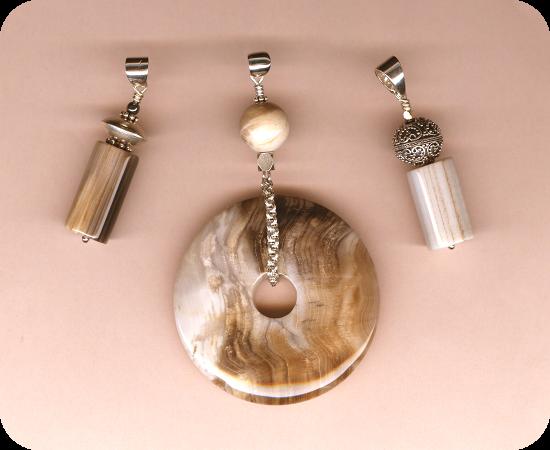 bijoux-grp-bois-petrifie-fossile-0011-blog-rond