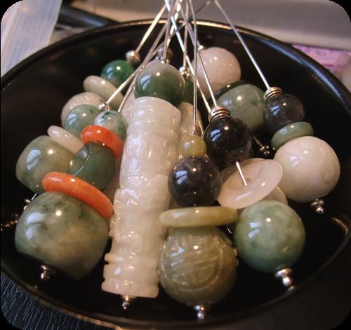 Perles lisses et sculptées en Jade jadéite