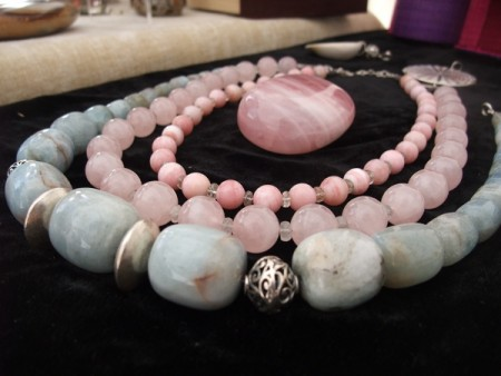 Colliers Béryl, Opale rose et Quartz rose